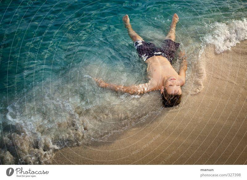 Badesaison Mensch Kind Jugendliche Ferien & Urlaub & Reisen Wasser Sommer Sonne Meer Erholung Strand Wärme Leben Junge Glück Schwimmen & Baden Sand