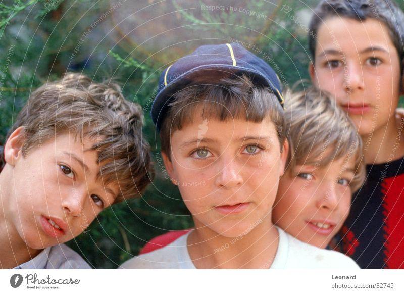 Kinder Gesicht Mensch Menschengruppe Junge Blick Kopf Auge boy group