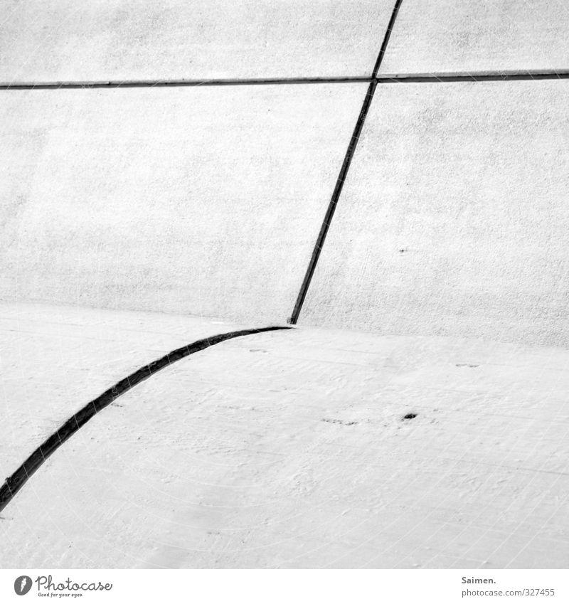 runde gerade Wand Mauer Linie Fassade Christliches Kreuz kreuzen Schwarzweißfoto