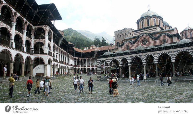 Rila Kloster 2 Mensch Religion & Glaube Kunst groß Europa Kultur Bauwerk Tourist Panorama (Bildformat) Gotteshäuser Orthodoxie