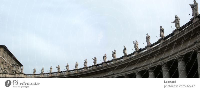 Statuen Panorama Religion & Glaube groß Europa Italien Statue Skulptur heilig Geländer Säule Rom Panorama (Bildformat) Gotteshäuser Dominikanische Republik Kolonnaden