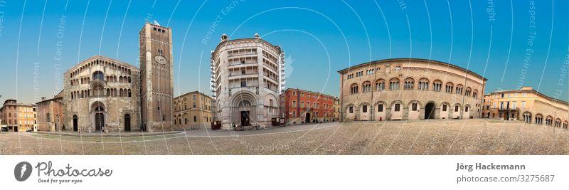 Parma, Piazza del Duomo mit Kathedrale und Baptisterium Ferien & Urlaub & Reisen Tourismus Stadt Kirche Gebäude Architektur Fassade Denkmal historisch