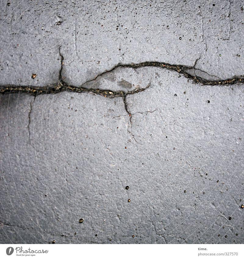 Lebenslinien #66 (krempllinie) Verkehr Verkehrswege Straße Wege & Pfade Asphalt Bodenbelag Riss straßenschäden ästhetisch authentisch elegant kaputt Sorge