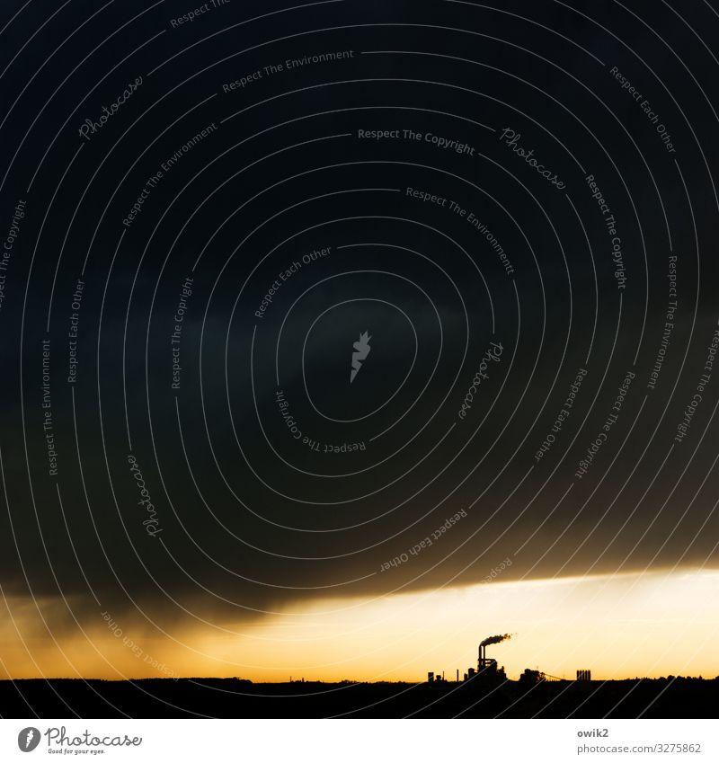 Schwarzarbeit Arbeit & Erwerbstätigkeit Fabrik Wirtschaft Industrie Energiewirtschaft Heizkraftwerk Umwelt Natur Landschaft Gewitterwolken Horizont
