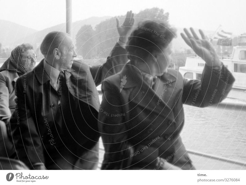 Ahoi! Ferien & Urlaub & Reisen Tourismus Ausflug maskulin feminin Frau Erwachsene Mann 3 Mensch Horizont Schifffahrt Passagierschiff An Bord Jacke Mantel