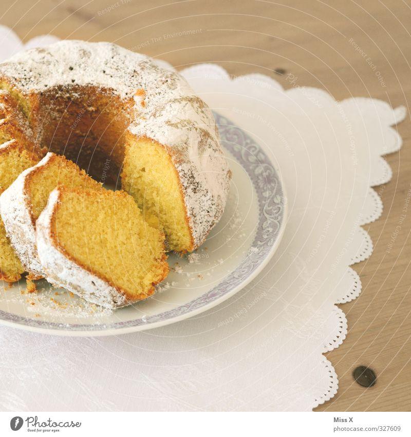 Geburtstagskuchen Lebensmittel Kuchen Ernährung Frühstück Kaffeetrinken Feste & Feiern lecker süß Geburtstagstorte Gugelhupf Tischwäsche Puderzucker Kaffeetisch