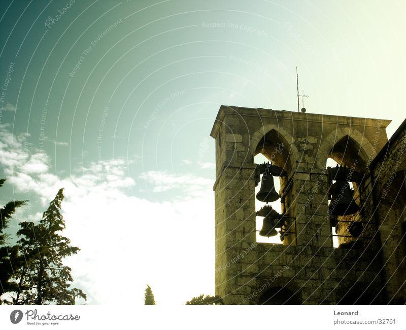 Glockenturm Himmel Baum Wolken Religion & Glaube Rücken Europa Turm Italien Antenne Brügge Gotteshäuser Kirchturm Belfry
