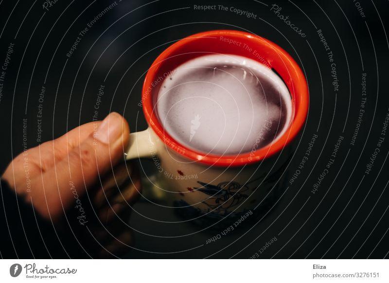 Glühwein Weihnachten & Advent Hand Wärme kinderpunsch Winter Stimmung trinken Alkohol Weihnachtsmarkt Tasse Heißgetränk Farbfoto Außenaufnahme