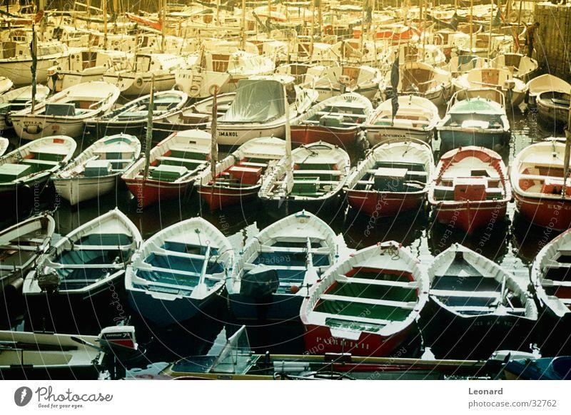 Boote Wasserfahrzeug Meer Reflexion & Spiegelung Portwein Schifffahrt Hafen Sonne Farbe boat harbour color water