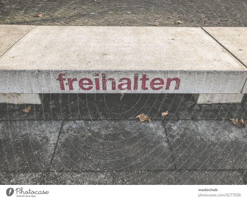 Sitzgelegenheit Ferien & Urlaub & Reisen Tourismus Ausflug Stadt Stein Beton Zeichen Schriftzeichen Schilder & Markierungen Hinweisschild Warnschild Schutz