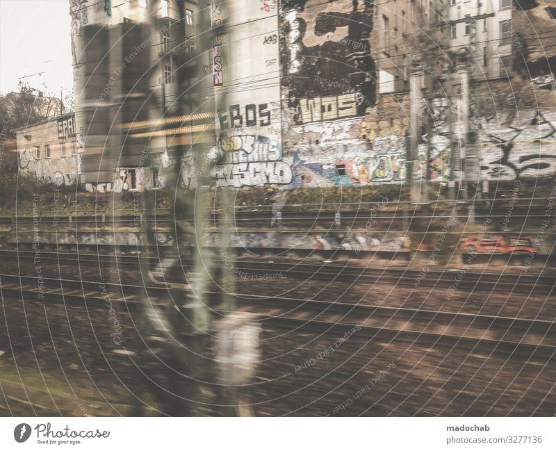 BRLN Kunst Maler Ausstellung Kultur Jugendkultur Subkultur Berlin Stadt Hauptstadt Menschenleer Architektur Verkehr Schienenverkehr Bahnfahren S-Bahn