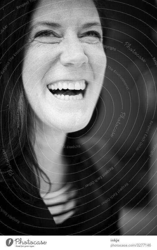 :-D feminin Frau Erwachsene Leben Gesicht 1 Mensch 30-45 Jahre 45-60 Jahre schwarzhaarig langhaarig lachen authentisch Fröhlichkeit schön natürlich Gefühle