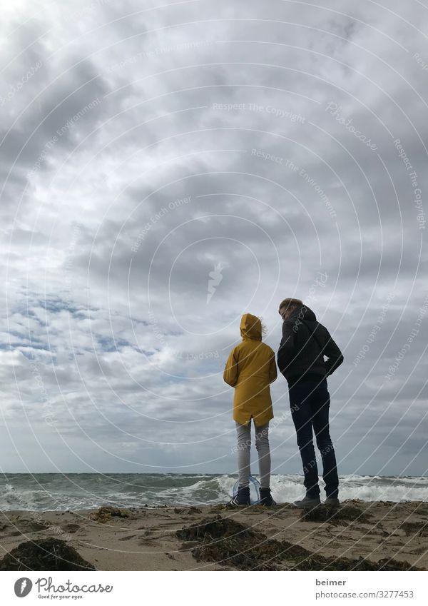 Steife Brise Ferien & Urlaub & Reisen Meer Mensch maskulin feminin Mädchen Mann Erwachsene 2 8-13 Jahre Kind Kindheit 30-45 Jahre Natur Wasser Himmel Wolken