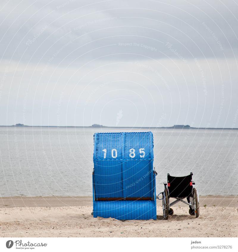 weitsichtig | am meer. Gesundheit Senior Leben Umwelt Natur Landschaft Sand Wasser Himmel Schönes Wetter Wellen Küste Strand Meer Ziffern & Zahlen Unendlichkeit