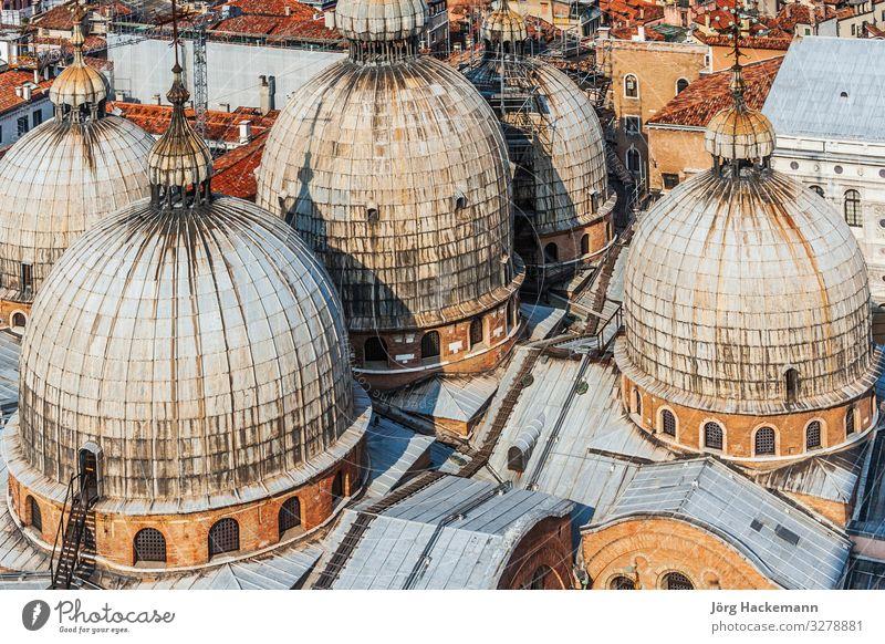 Basilika des Heiligen Markus in Venedig Kirche Gebäude Wahrzeichen historisch Religion & Glaube Markusdomizil Markusplatz