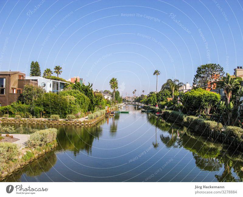 alte Kanäle von Venedig in Kalifornien, schöner Wohnbereich Strand Haus Landschaft Himmel Baum Stadt Gebäude Architektur Straße Wasserfahrzeug blau grün Buchse