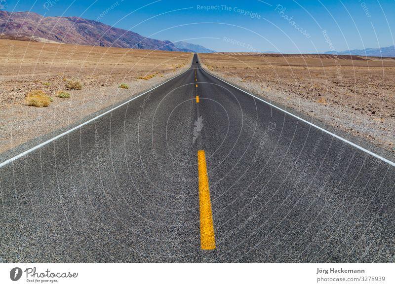 Death Valley Straße quer durch die Wüste Ferien & Urlaub & Reisen Ausflug Berge u. Gebirge Natur Landschaft Himmel Horizont Autobahn Linie lang Geschwindigkeit