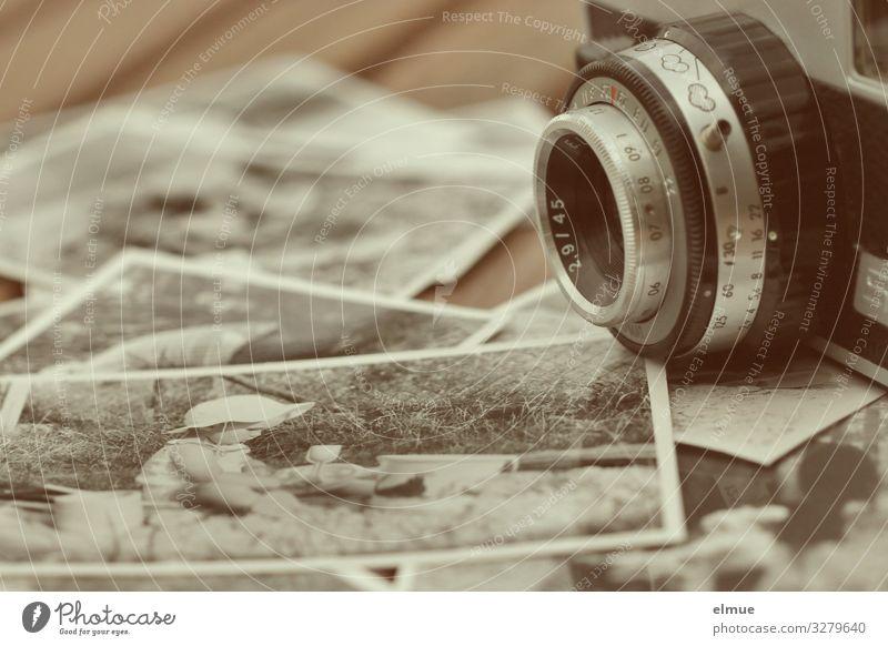 analog Freizeit & Hobby Fotografieren Fotokamera Linse Knipse Objektiv Grafik u. Illustration Schwarzweißfoto Symbole & Metaphern alt einfach bescheiden Senior