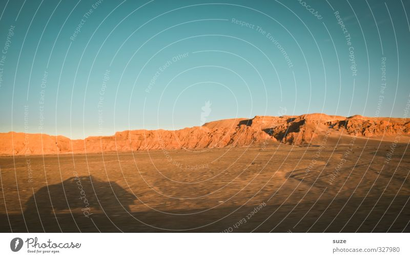 Fluchtwagen Ferien & Urlaub & Reisen Tourismus Umwelt Natur Landschaft Erde Sand Himmel Klima Wärme Wüste Verkehr Verkehrsmittel Verkehrswege Autofahren