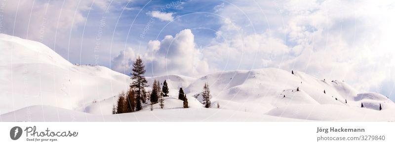 Dolomiten, Sella-Pass schön harmonisch Tourismus Winter Schnee Berge u. Gebirge Natur Landschaft Himmel Wolken Felsen Alpen Skyline Stein natürlich blau grün