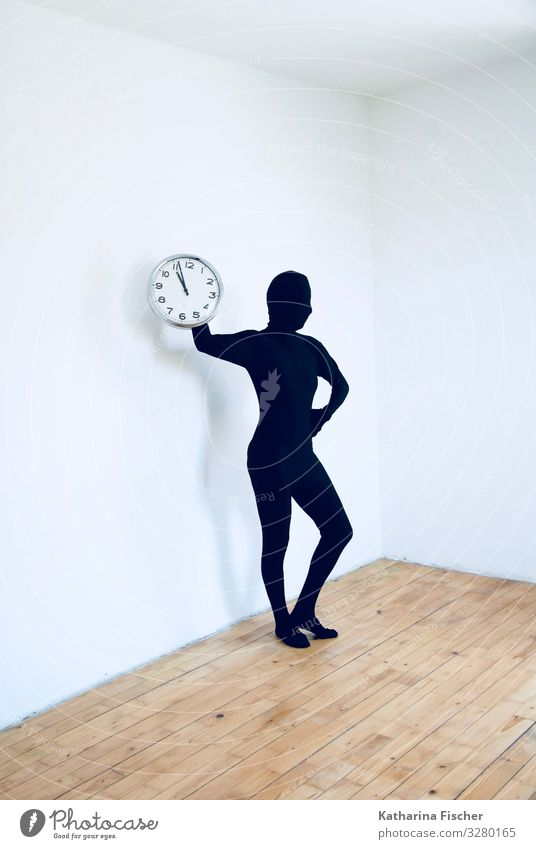 Tic Tac Tic Tac 1 Mensch Kunst stehen ästhetisch sportlich authentisch außergewöhnlich Coolness braun schwarz silber weiß Gefühle Pünktlichkeit Zeit Pantomime