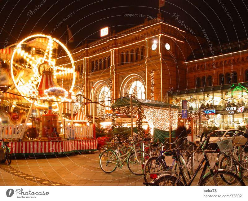 Hannover Hauptbahnof Jahrmarkt Fahrrad begegnen Architektur Bahnhof Güterverkehr & Logistik