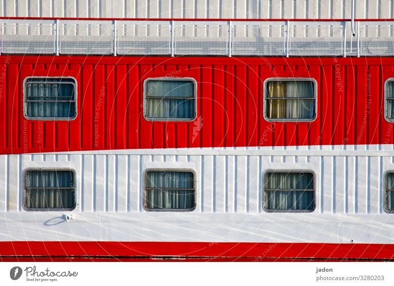 weiss wie schnee, rot wie... weiß Fenster Wand Mauer Fassade Häusliches Leben Schönes Wetter Pause Hafen Fernweh Schifffahrt Gardine Kreuzfahrt Traumhaus