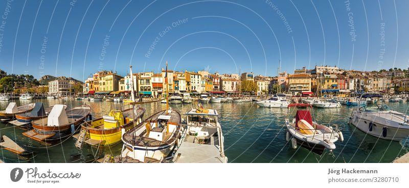 Cassis, französische Stadt an der Mittelmeerküste Ferien & Urlaub & Reisen Meer Restaurant Küste Hafen Fassade Jacht Segelboot Wasserfahrzeug historisch