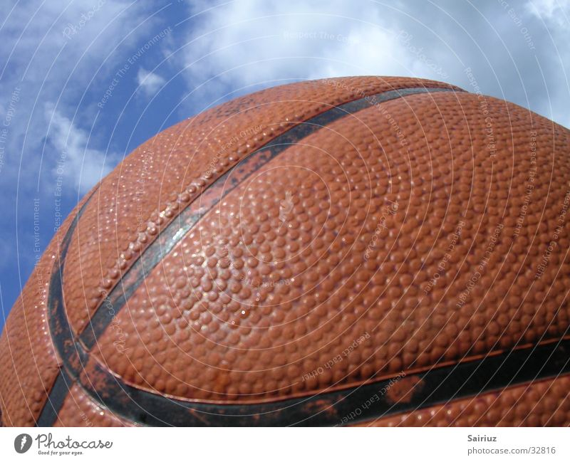 play in heaven2 Wolken Spielen Sport Basketball Ball Himmel himmelwärts Außenaufnahme