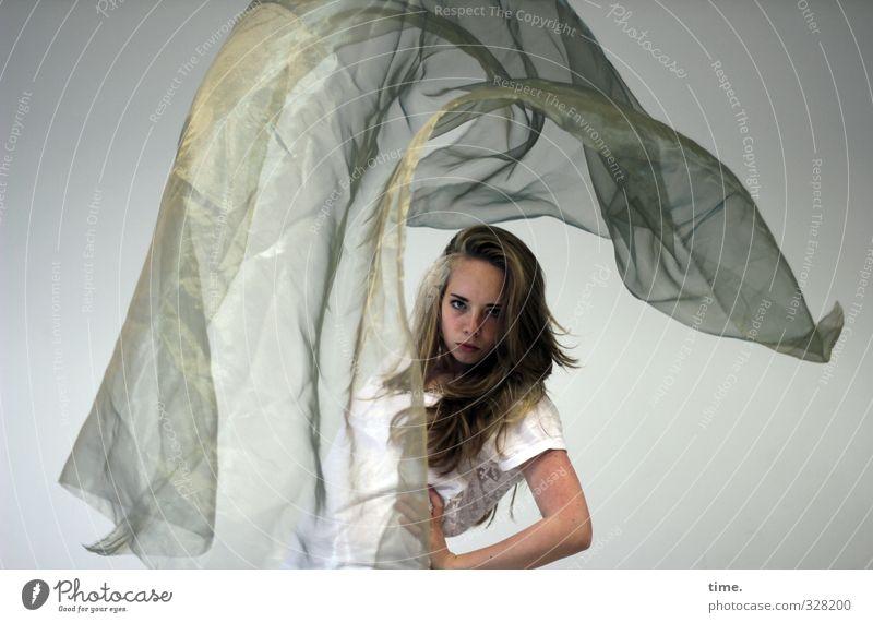 Tanz | t! Mensch Jugendliche schön Junge Frau Leben feminin Kunst blond Tanzen authentisch ästhetisch beobachten Kreativität Stoff Konzentration