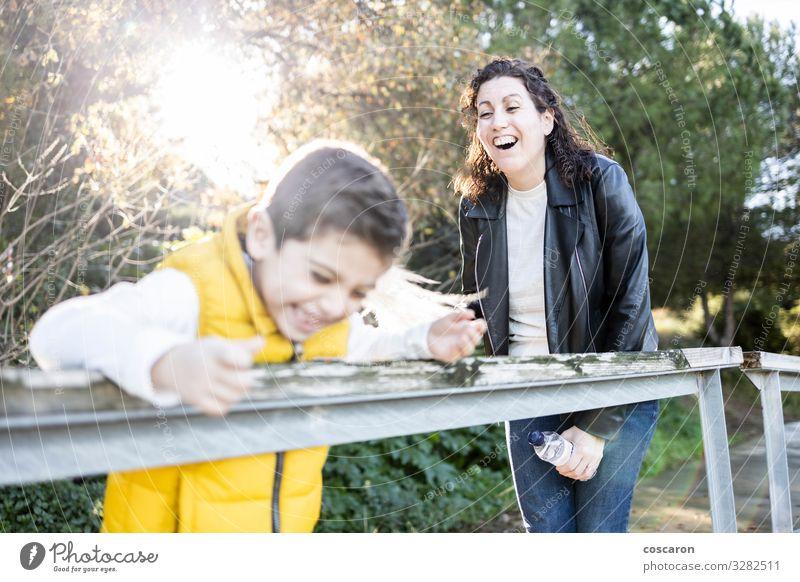 Frau Kind Mensch Ferien & Urlaub & Reisen Natur Mann Sommer Pflanze schön Sonne Blatt Freude Wald Berge u. Gebirge Lifestyle Erwachsene