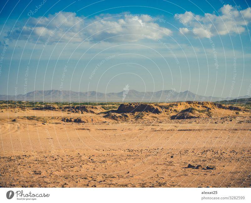 Die Wüste La Guajira in Kolumbien Ferien & Urlaub & Reisen Tourismus Sommer Berge u. Gebirge Natur Landschaft Sand Himmel Klima Felsen heiß wild Surrealismus