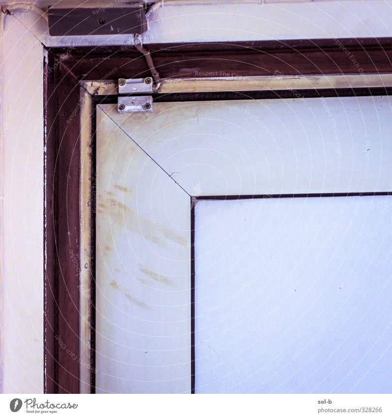 Würfel Häusliches Leben Haus Hausbau Architektur Tür dreckig weiß Sicherheit Schutz Alarmanlage Sensor Linie Quadrat heimwärts Eingangstür Ecke Türrahmen