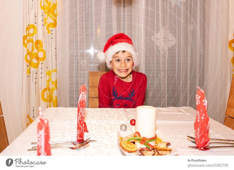 Vorfreude auf Weihnachten Essen Abendessen Festessen Besteck Stil Freude Veranstaltung Feste & Feiern Weihnachten & Advent Silvester u. Neujahr Kind Junge 1