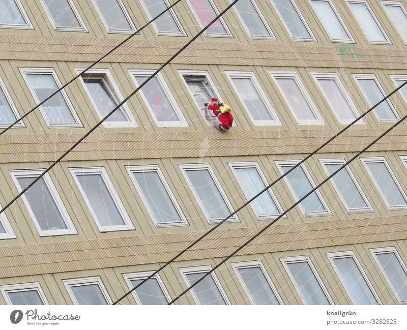 Gelenkig Mensch Weihnachten & Advent rot Haus Fenster Fassade Hochhaus hoch Neugier Klettern Weihnachtsmann beige Pappfigur