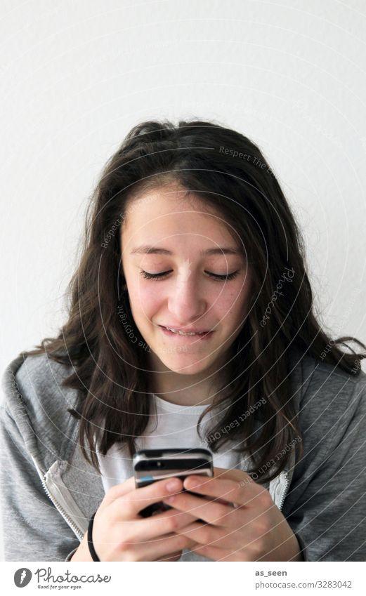 Handynutzung Freizeit & Hobby Technik & Technologie Unterhaltungselektronik Telekommunikation Informationstechnologie Internet Mädchen Kindheit Jugendliche