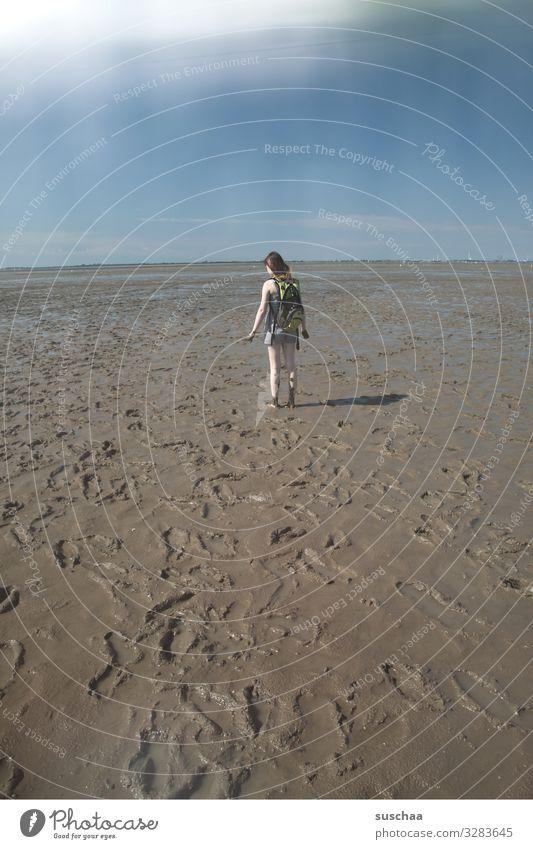schlammspaziergang Wattenmeer Strand Schlamm Schlick Meer Nordsee Gezeiten Wasser Wege & Pfade Himmel Mensch Mädchen Jugendliche Junge Frau Spaziergang