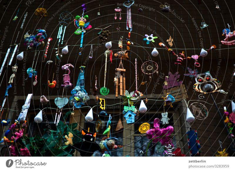 Weihnachtsdeko Abend Dekoration & Verzierung Dämmerung dunkel Garten Kitsch privat Schmuck Schrebergarten Stadt Vorstadt Menschenleer Textfreiraum Balkon Loggia