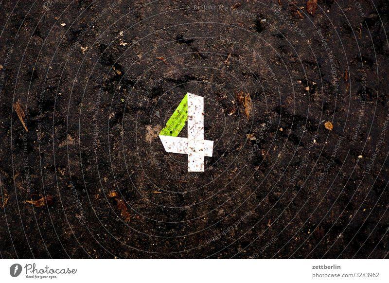 Vier Textfreiraum Papier Ziffern & Zahlen Streifen Falte 4 Zettel rechnen Origami Wert Mathematik gefaltet Zufall Zählwerk