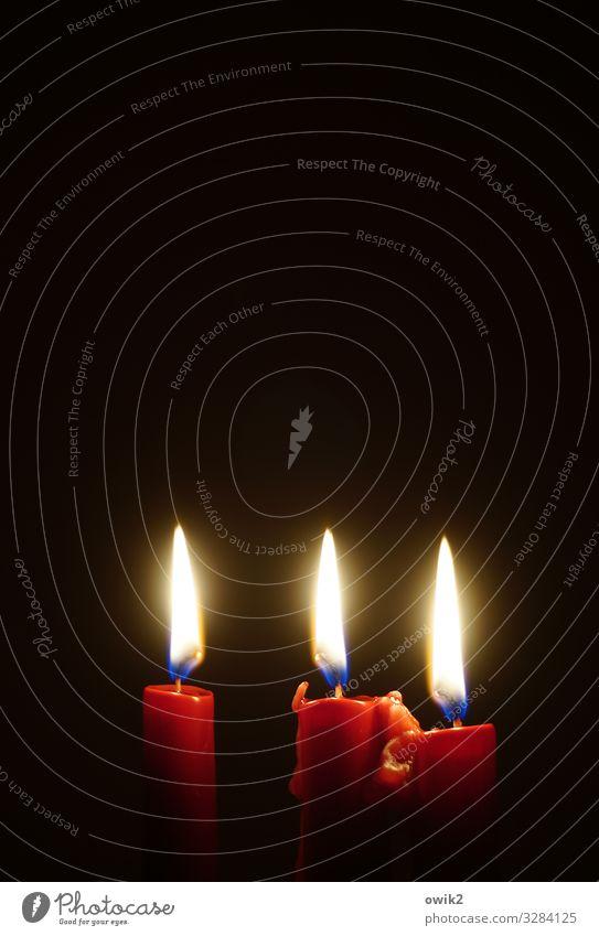 Trinidad Kerze Kerzenschein Kerzenstimmung Flamme Kerzendocht Zeichen leuchten Zusammensein rot ruhig Hoffnung Religion & Glaube brennen 3 Weihnachten & Advent
