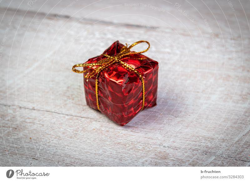 Überraschung Feste & Feiern Weihnachten & Advent Silvester u. Neujahr Verpackung Paket Dekoration & Verzierung Kitsch Krimskrams Zeichen wählen rot