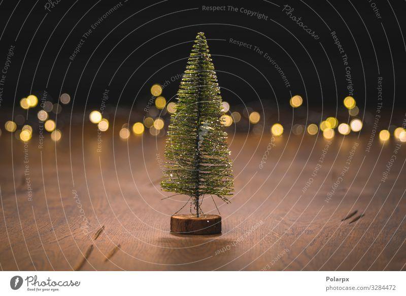 Weihnachtsbaumschmuck auf einer Holzoberfläche Design Glück Winter Dekoration & Verzierung Tisch Feste & Feiern Weihnachten & Advent Handwerk Baum Ornament