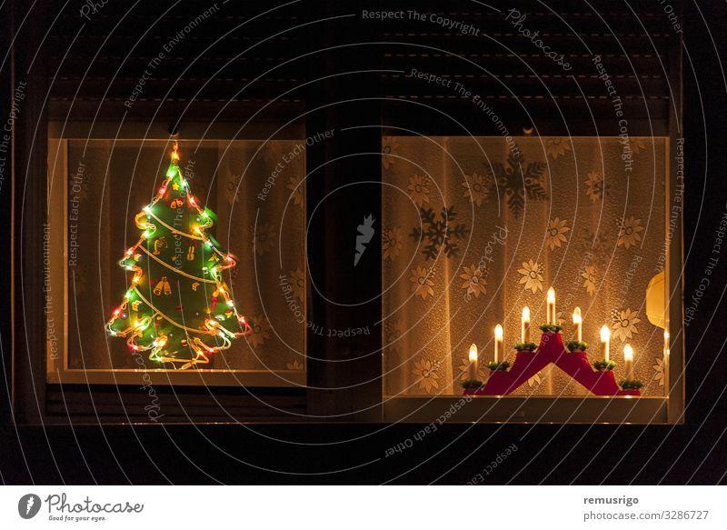 weihnachtliche Fensterdekoration Winter Dekoration & Verzierung Baum Blick Lied Weihnachten Großstadt Rahmen Feiertag heimwärts Innenbereich Licht