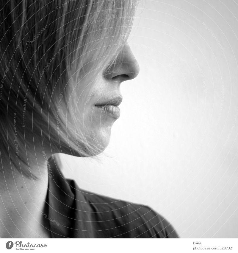 . feminin Junge Frau Jugendliche Haare & Frisuren Nase Mund 1 Mensch kurzhaarig beobachten Blick elegant schön selbstbewußt Coolness Willensstärke Mut Tatkraft