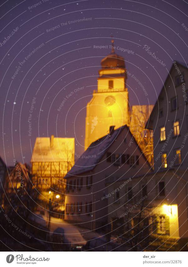 WinterNight0205 Himmel Stadt Haus dunkel Schnee Religion & Glaube Beleuchtung Verkehr gemütlich Straßenbeleuchtung Kirchturm Fachwerkfassade Kleinstadt