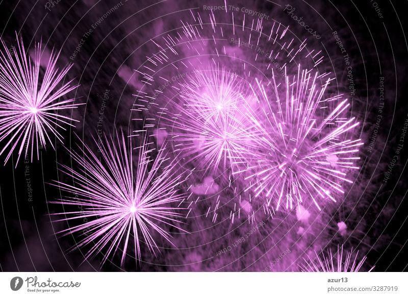 Luxury fireworks event sky show with pink big bang stars Lifestyle Nachtleben Entertainment Party Veranstaltung Feste & Feiern Silvester u. Neujahr Jahrmarkt