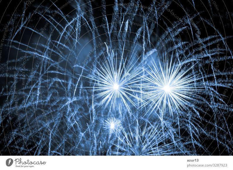 Luxury fireworks event sky show with blue big bang stars Lifestyle Nachtleben Entertainment Party Veranstaltung Feste & Feiern Silvester u. Neujahr Jahrmarkt