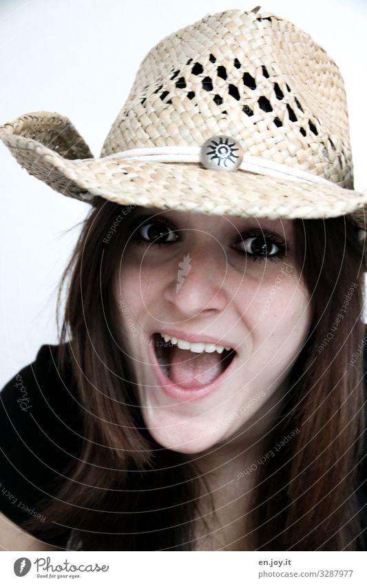 YEE-HAW feminin Junge Frau Jugendliche Gesicht Mode Hut Cowboyhut brünett lachen frech Fröhlichkeit Glück trendy schön natürlich verrückt wild Freude