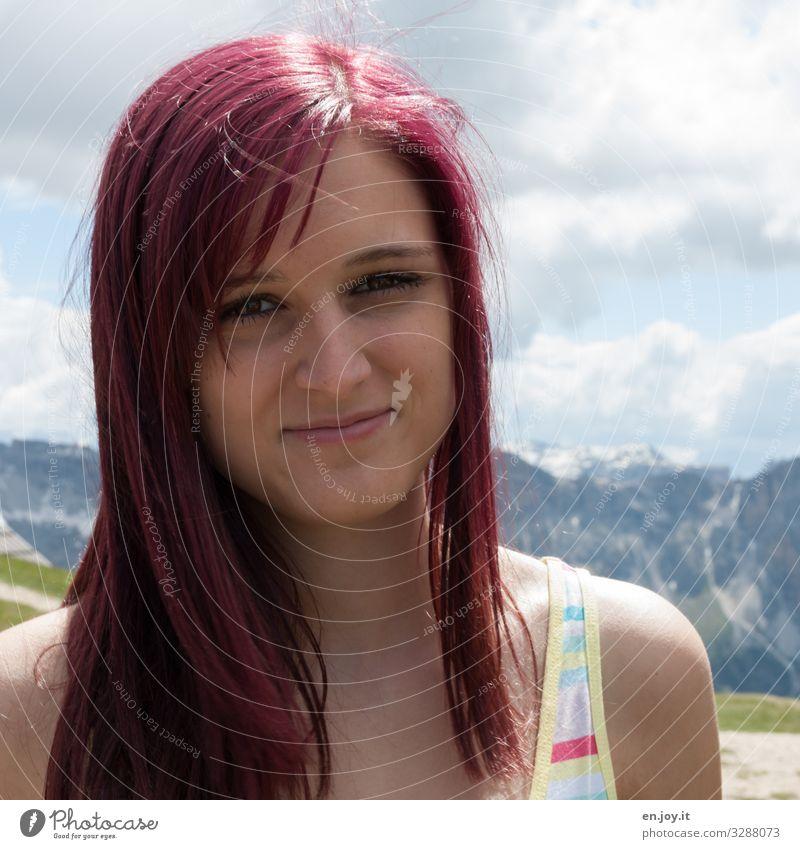 in den Bergen schön Haare & Frisuren Ferien & Urlaub & Reisen Sommer Sommerurlaub Berge u. Gebirge feminin Junge Frau Jugendliche Erwachsene 1 Mensch rothaarig