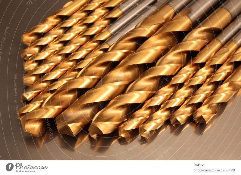 Satz beschichteter Bohrer aus Edelstahl. Arbeit & Erwerbstätigkeit Beruf Arbeitsplatz Fabrik Wirtschaft Industrie Handel Dienstleistungsgewerbe Handwerk